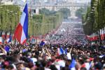 Парад французов в честь победы