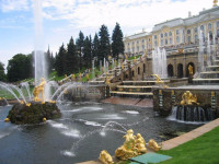 Pogostite.ru - Петергоф включит фонтаны раньше обычного