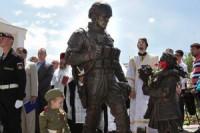 Pogostite.ru - В Крыму появился памятник «вежливым людям»