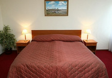 МОСКВА ГОСТИНИЦА (г. Углич) Стандартный номер с двуспальной кроватью