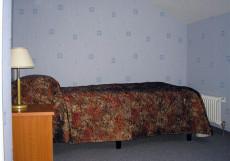МОСКОВСКИЙ ТРАКТ (г. Ростов, центр) Мансардный номер с односпальной кроватью