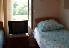 ГОСТЕВОЙ ДОМ ЧАЙКА (г. Туапсе) Двухместный номер эконом-класса с 2 отдельными кроватями