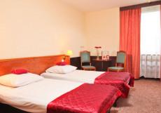 Азимут Отель Кострома (лучший отель для отдыха с детьми) Стандарт двухместный (2 кровати)