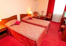 Азимут Отель Кострома (лучший отель для отдыха с детьми) Улучшенный двухместный (1 двуспальная или 2 односпальные кровати)