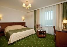 ИНТУРИСТ (г. Краснодар, центр) Стандартный номер с двуспальной кроватью