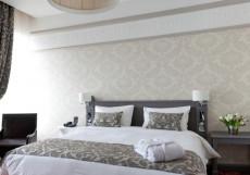 MERCURE ARBAT MOSCOW- МЕРКЮР АРБАТ МОСКВА Улучшенный двухместный номер с двуспальной кроватью