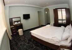 TOWN PALACE HOTEL ( г. Ереван, центр) Улучшенный трехместный номер