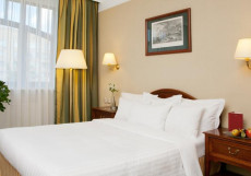 МАРРИОТТ ТВЕРСКАЯ - Marriott Tverskaya (м. Белорусская, м. Маяковская) Улучшенный номер с кроватью размера