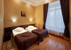 ГородОтель на Казанском Улучшенный двухместный номер с 2 отдельными кроватями и видом на город
