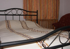 ГОСТЕВОЙ ДОМ НА СОВЕТСКОМ (г. Великий Устюг) Двухместный номер эконом-класса с 1 кроватью и общей ванной комнатой