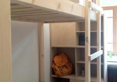 Кислород O2 (недорого в историческом центре) Кровать в общем номере с 4 кроватями и общей ванной комнатой