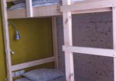 ХОСТЕЛ ВОЗДУХ (г. Владимир, исторический центр) Кровать в общем номере с 4 кроватями и общей ванной комнатой