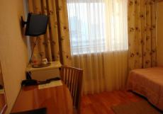 ОБЬ (Г. СУРГУТ, ЦЕНТР ГОРОДА) Одноместный номер эконом-класса (небольшой) с общей ванной комнатой