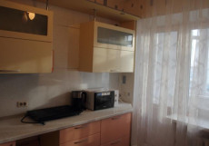 АПАРТАМЕНТЫ WARM HOLIDAYS (Г. СУРГУТ, ЦЕНТР ГОРОДА) Cемейный номер с отдельной ванной комнатой