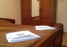 НАВИГАТОР (Г. ПЕРЕСЛАВЛЬ-ЗАЛЕССКИЙ, В 5 МИНУТАХ ОТ ПЛЕЩЕЕВОГО ОЗЕРА) Двухместный номер эконом-класса с 1 кроватью или 2 отдельными кроватями и общей ванной комнатой