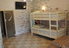 МОТЕЛЬ ПАРТИЯ (Г. СТАВРОПОЛЬ, ЦЕНТРАЛЬНЫЙ ПАРК) Односпальная кровать в общем номере с 4 кроватями