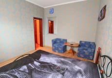 ПЛАТАН (Г. СТАВРОПОЛЬ, ПАРК ПОБЕДЫ) Трехместный номер с собственной ванной комнатой