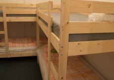 ЛЯ ГРАНЖ ЦЕНТР (Г. СТАВРОПОЛЬ, ЦЕНТР ГОРОДА) Двухъярусная кровать в общем номере для женщин