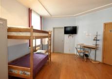 БАРНАУЛ HOSTEL (Г. БАРНАУЛ, ЦЕНТР ГОРОДА) Кровать в общем 8-местном номере