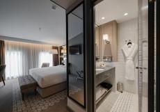 Чехофф Отель - Chekhoff Moscow By Hilton Номер «Комфорт» с кроватью размера «king-size» - Подходит для гостей с ограниченными физическими возможностями
