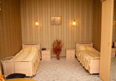 ЗВЕЗДА ЯМАЛА (Г. НОЯБРЬСК, 10 МИНУТ ОТ ЦЕНТРА ГОРОДА) Улучшенный двухместный номер с 2 отдельными кроватями