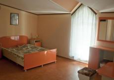 ВИКТОРИЯ (с бассейном и кухней) Люкс 4-местный с кухней и балконом