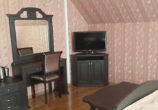 КАВКАЗ (Г. ЕССЕНТУКИ, РАЙОН Ж/Д ВОКЗАЛА) Двухместный номер с 1 кроватью и балконом