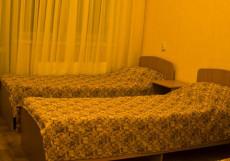 СОЛНЕЧНАЯ (Г. ЕССЕНТУКИ, 10 МИНУТ ОТ ЦЕНТРА ГОРОДА) Стандартный двухместный номер с 2 отдельными кроватями и балконом