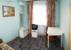 ПРИАЗОВОЧКА   г. Ейск, рядом с пляжем, дети бесплатно 2-х местный 2-х комнатный с диваном и кухней (8)