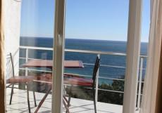 Форест (г. Алупка, в 5 минутах от побережья Черного моря) Улучшенный люкс