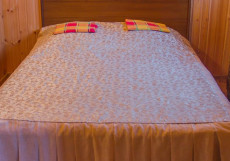 ИЗГИБ (поселок Дубки, горнолыжный комплекс Изгиб) Дом с пятью спальнями