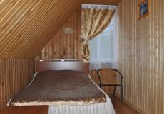 ИЗГИБ (поселок Дубки, горнолыжный комплекс Изгиб) Дом с двумя спальнями