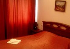 Кедр-Восток (г. Алупка, в 10 минутах от побережья Черного моря) Двухместный номер с отдельной внешней ванной комнатой