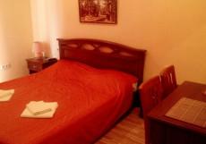 Кедр-Восток (г. Алупка, в 10 минутах от побережья Черного моря) Двухместный номер с 1 кроватью с видом на море