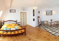 Вилла Любимая (г. Алушта, в 10 минутах от моря) Стандартный двухместный номер с 1 кроватью или 2 отдельными кроватями