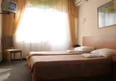 Алушта | г. Алушта | шведский стол | парковка | дельфинарий рядом Двухместный номер с 2 отдельными кроватями и видом на горы
