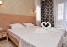 Фортуна (пос. Кабардинка, в 5 минутах от Цемесской бухты) Двухместный номер с 2 отдельными кроватями и балконом
