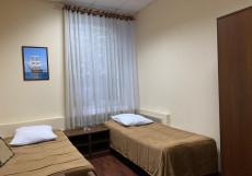 ИЗУМРУД ЮГ (Недорого) Двухместный номер с 2 отдельными кроватями и общей ванной комнатой