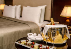 Ramada Baku Hotel - Рамада Баку Хотел | 1-линия | частный пляж | бассейн Стандартный двухместный номер с 1 кроватью и видом на море