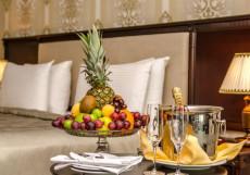 Ramada Baku Hotel - Рамада Баку Хотел | 1-линия | частный пляж | бассейн Угловой люкс