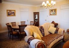 АСТРАХАНСКАЯ (в центре, хороший отель) Представительский люкс