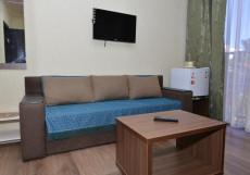 Guest House Assol / Ассоль | возле Карадагского заповедника | Двухместный номер Делюкс с 1 кроватью (на 2 взрослых + 1 ребенка)