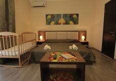 Guest House Assol / Ассоль | возле Карадагского заповедника | Трехместный номер с балконом