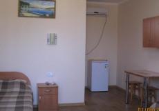 Виола (г. Саки, в центральной части города) Двухместный номер с 2 отдельными кроватями и собственной ванной комнатой