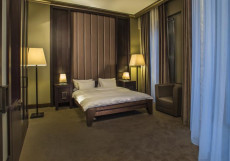 СОХО ГРАНД ОТЕЛЬ - SOHO GRAND HOTEL | г. Азов | СПА | парковка Улучшенный двухместный (1 кровать, балкон)