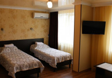 Уют | центр г. Усть-Лабинска | Возле Авто- и ЖД Вокзала Бюджетный двухместный номер с 2 кроватями