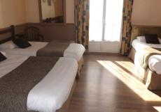 Citotel Hotel de L'Europe |  де Л Европе | Тура | площадь Жан-Жорес | домашние животные | Трехместный номер