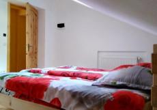 Alpenhaus B&B | Алпенхаус Б енд Б | Казбеги | лыжный курорт | катание на лыжах | Двухместный номер с 1 кроватью и общей ванной комнатой