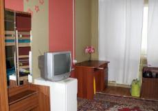 9 Сов | Салехард | река Обь | библиотека | Односпальная кровать в общем номере