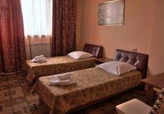 На Набережной | г. Волгодонск | Цимлянское водохранилище | Караоке | Двухместный номер с 2 отдельными кроватями и видом на озеро